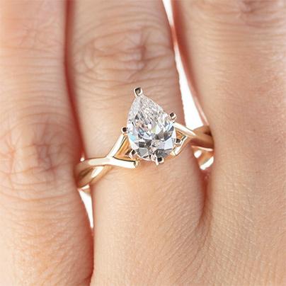 Best Pear Shaped Diamond Ring Settings