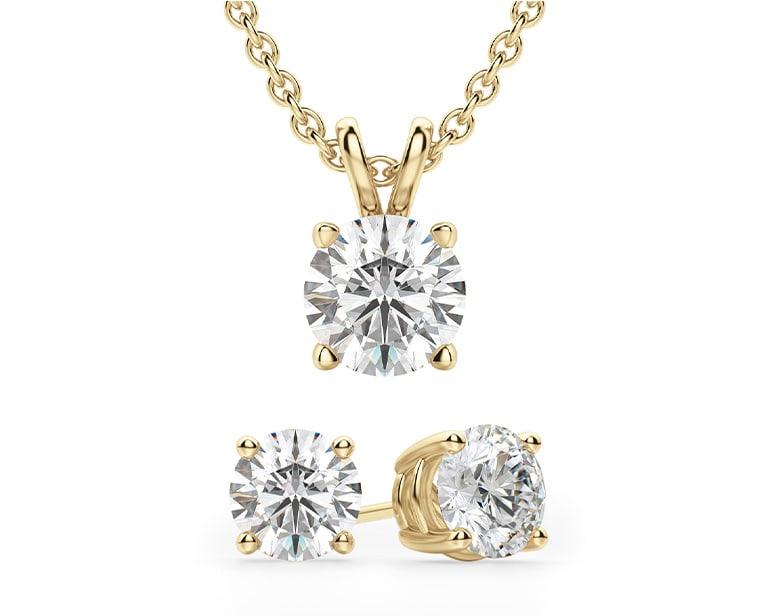 Round wedding jewelry set.