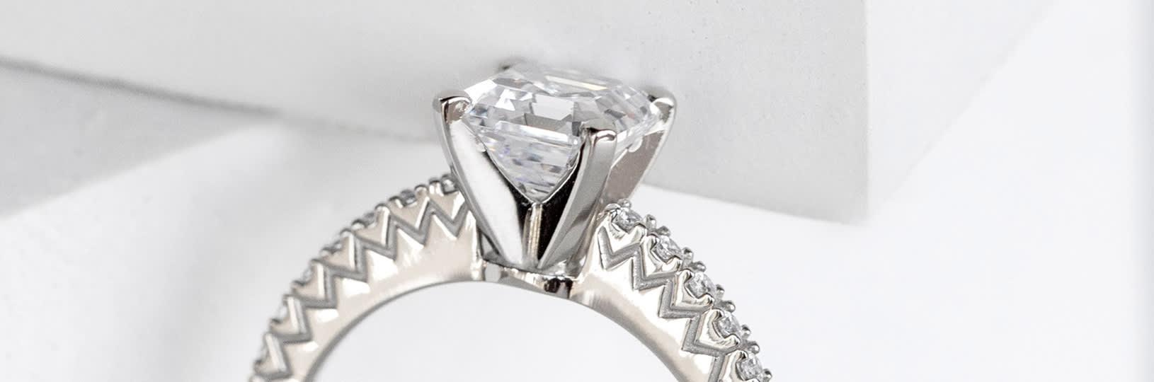 Engagement ring girdle